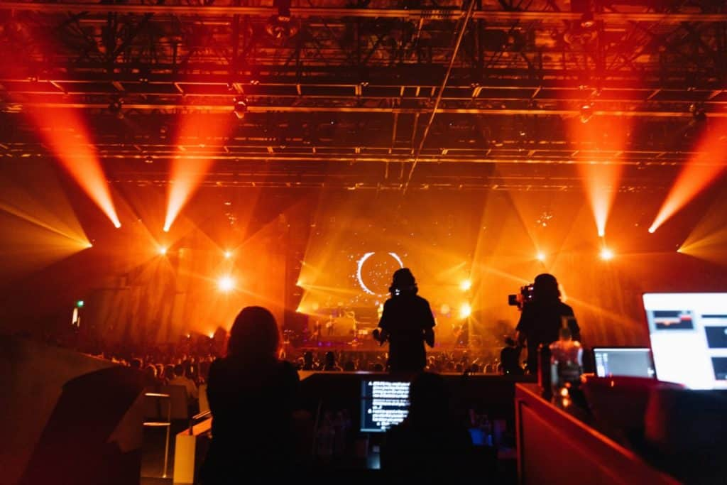 How Long Does It Take To Set Up A Stage For A Concert?